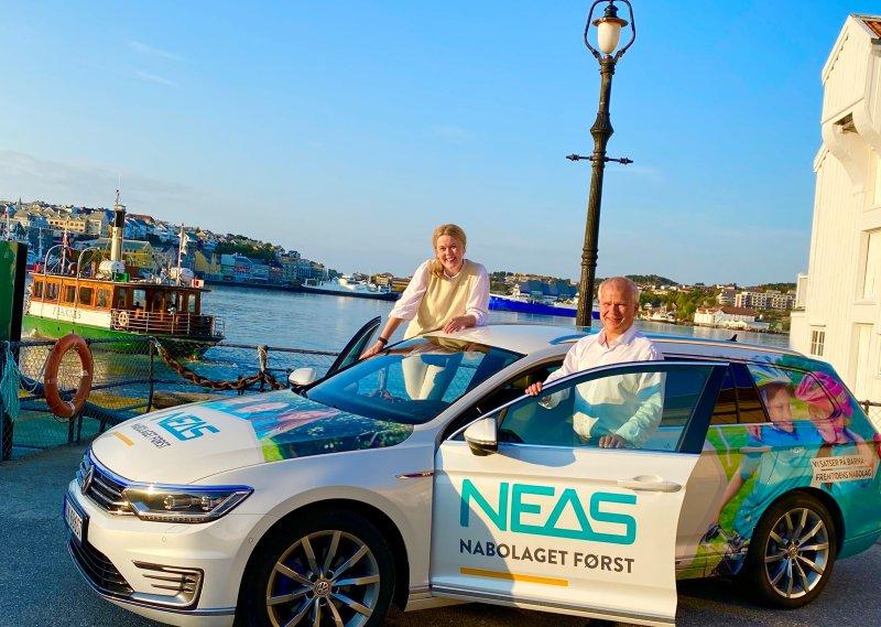 NEAS er engasjert i nabolaget! Knut Hansen, administrerende direktør i NEAS Konsern AS og Anita Håholm, avdelingsleder produkt og kundevekst.