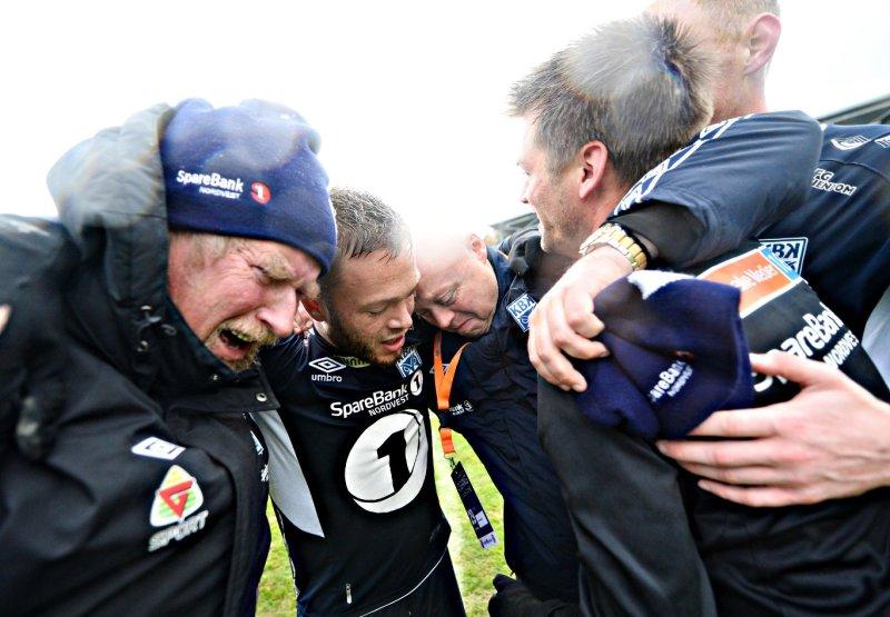 Tårer etter at opprykket til Eliteserien var sikret.