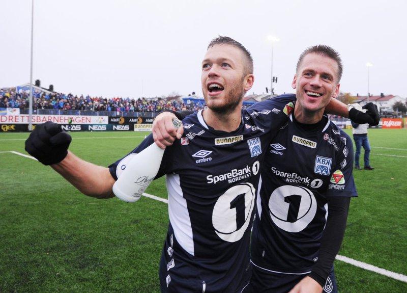 KBK tar seriegullet i 1. divisjon på hjemmebane i 2016. Sverre Økland(t.v.) og Tor Erik Torske.